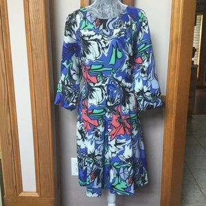 Multi colored dress with 3/4 sleeves